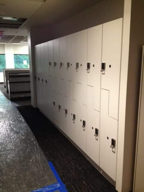 Two tier Z lockers