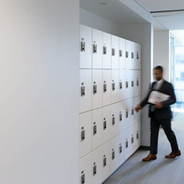 Day-Use Lockers for Employees Belongings in Open Workplace Design